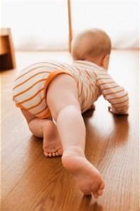 ¿Por qué es importante que mi bebé gateé?