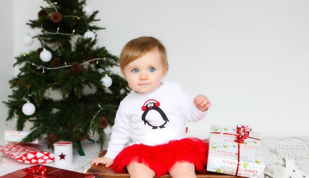 El árbol de Navidad y el bebé
