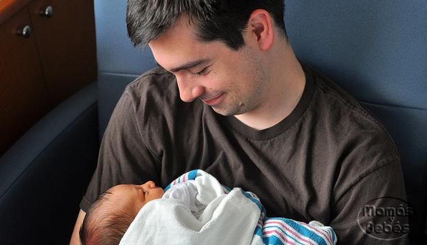Apego entre el padre y su bebé